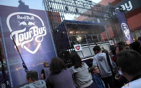Red Bull Tour Bus 2016 - 9